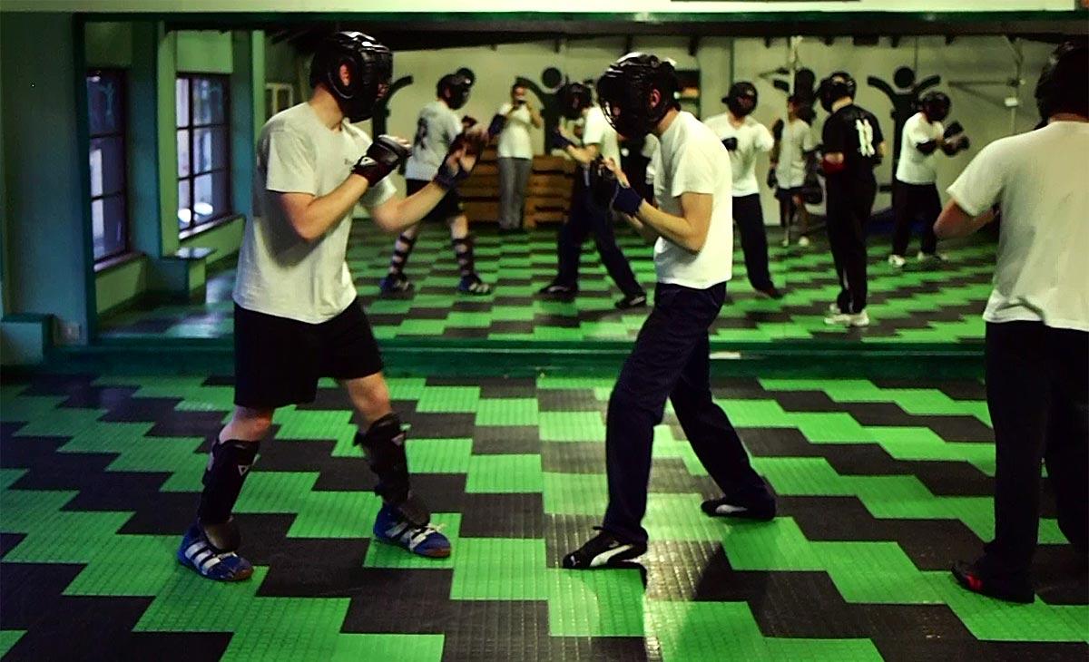 Allenamento con caschetti maggio 2014. Sparring Wing Chun e Boxe leggero e controllato.