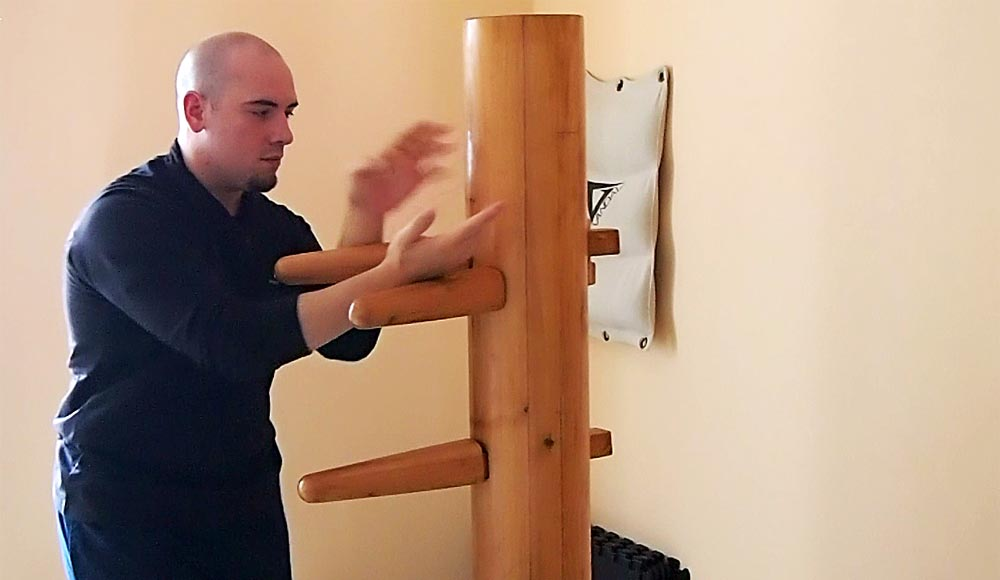 Wooden Dummy: sequenza all'Uomo di legno con braccia interne